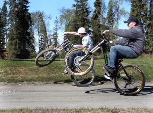 shawn & jacob wheelie 2 Web