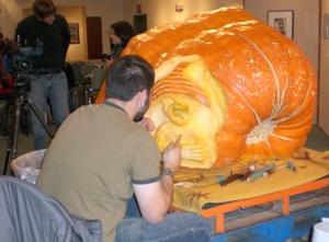 pumpkin carving 08 Web