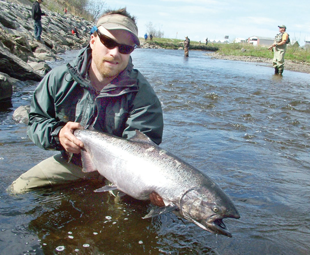 Few kings crown river trips memorial day salmon openers for Kings river fishing
