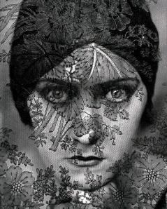 Illustration 10 — Gloria Swanson.