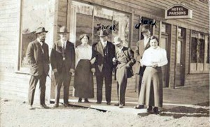 Photo courtesy of Shirley Crocker. Hotel Parsons in Anchorage draws a crowd. (Date unknown.)